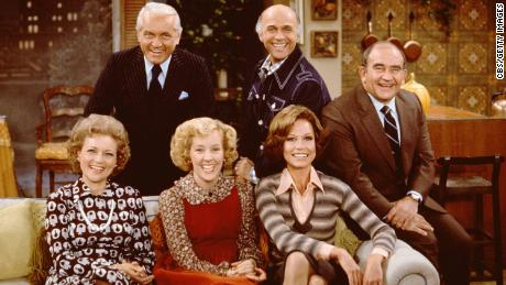 """The cast of the CBS situation comedy """"Mary Tyler Moore,"""" November 21, 1975."""
