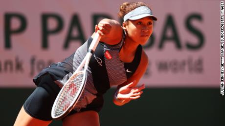 Naomi Osaka: Serena Williams wants to give world No. 2 a hug; others label her a 'princess'