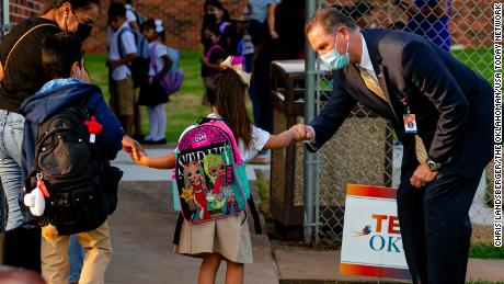 How three school districts are defying state restrictions on mask mandates
