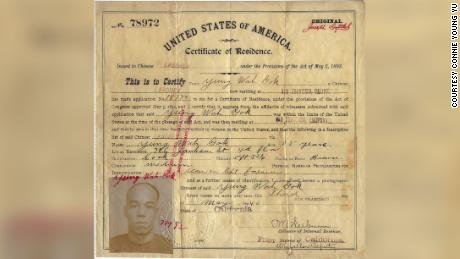 Young Wah Gok's certificate of U.S. residence, issued in 1892.